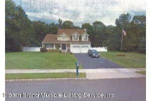 Single Family Home for Sale at 10 Carlson Court Jackson, New Jersey 08527 United States