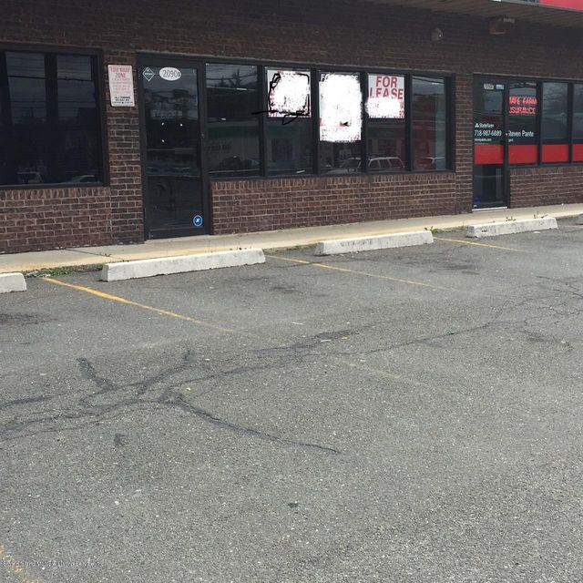 Commercial for Rent at 2090 Hylan Boulevard Staten Island, New York 10306 United States