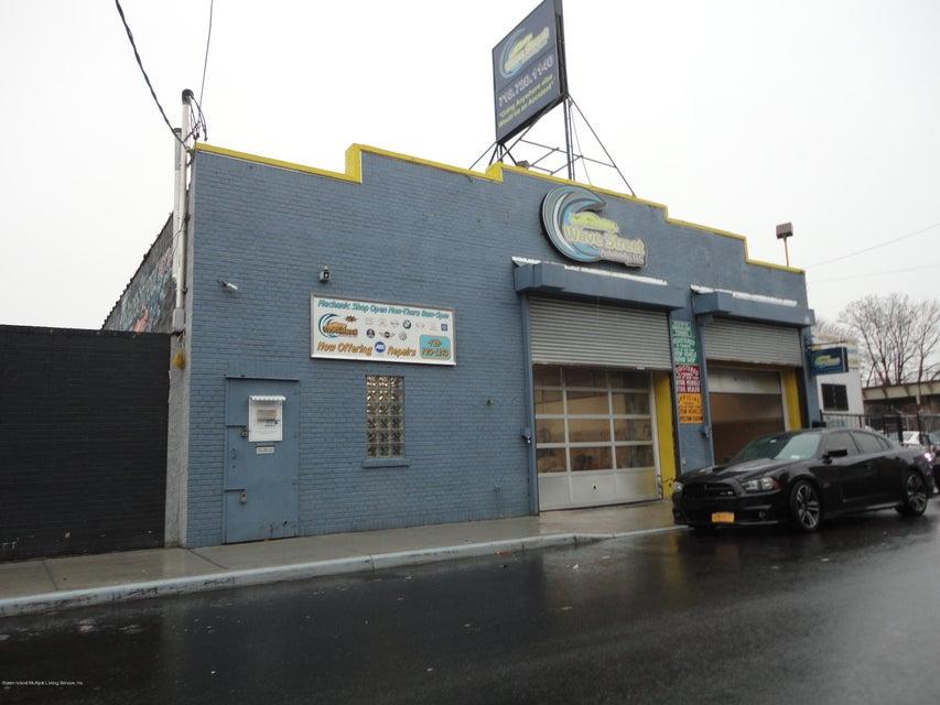 33 Wave Street, Staten Island, NY 10304