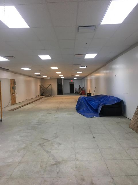 Commercial for Rent at 205 Canal Street Staten Island, New York 10304 United States