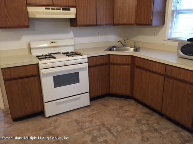 Additional photo for property listing at 47 Cherrywood Court  Staten Island, New York 10308 United States