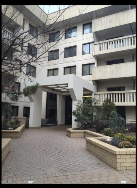 Condo in Heartland Village - 11 Windham Loop  2mm  Staten Island, NY 10314