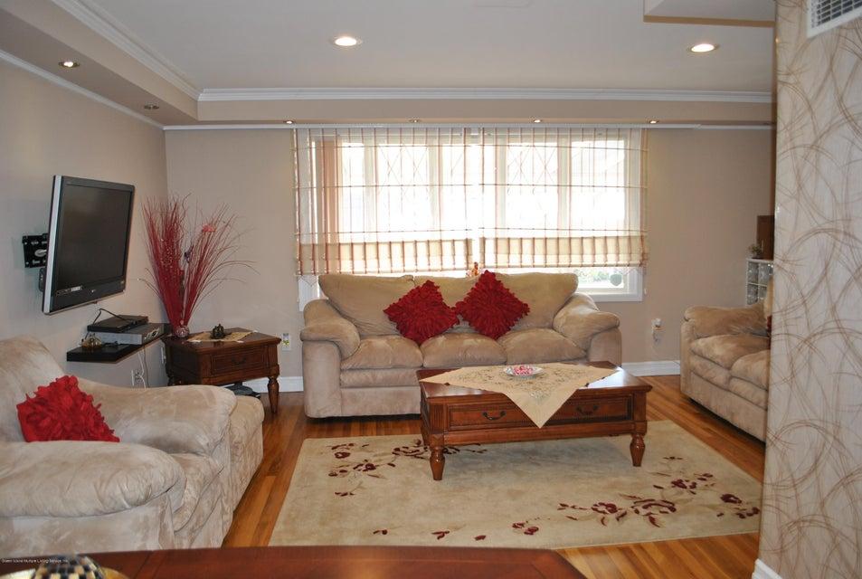 Single Family - Detached 191 Mallory Avenue  Staten Island, NY 10305, MLS-1108178-12