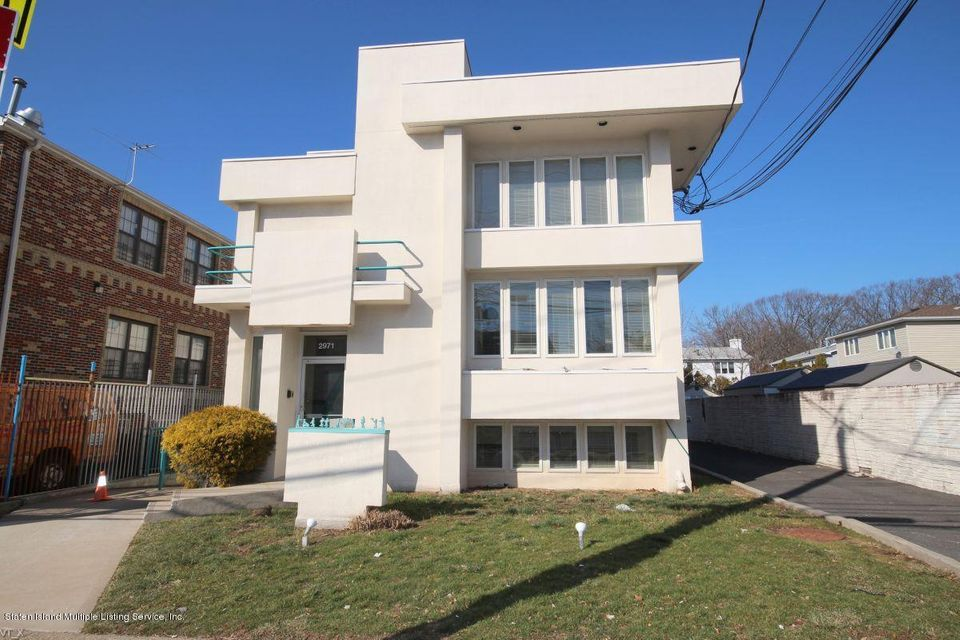 Commercial for Rent at 2971 Hylan Boulevard Staten Island, 10306 United States