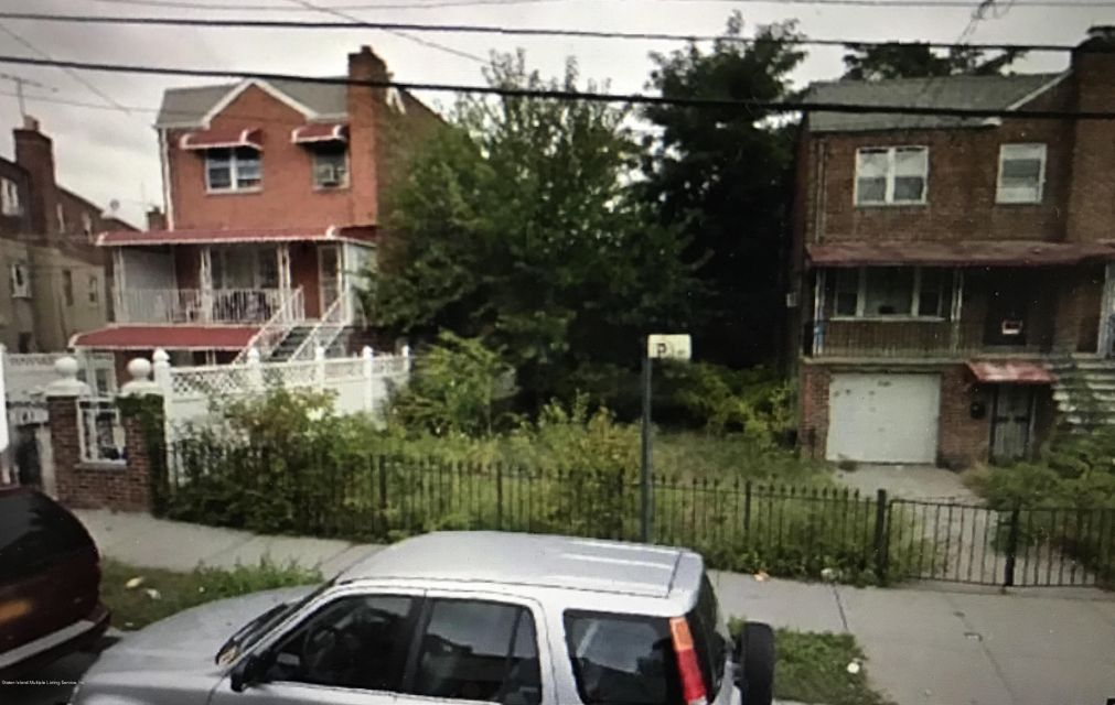Land for Sale at 1131 East 219th Street Bronx, New York 10469 United States