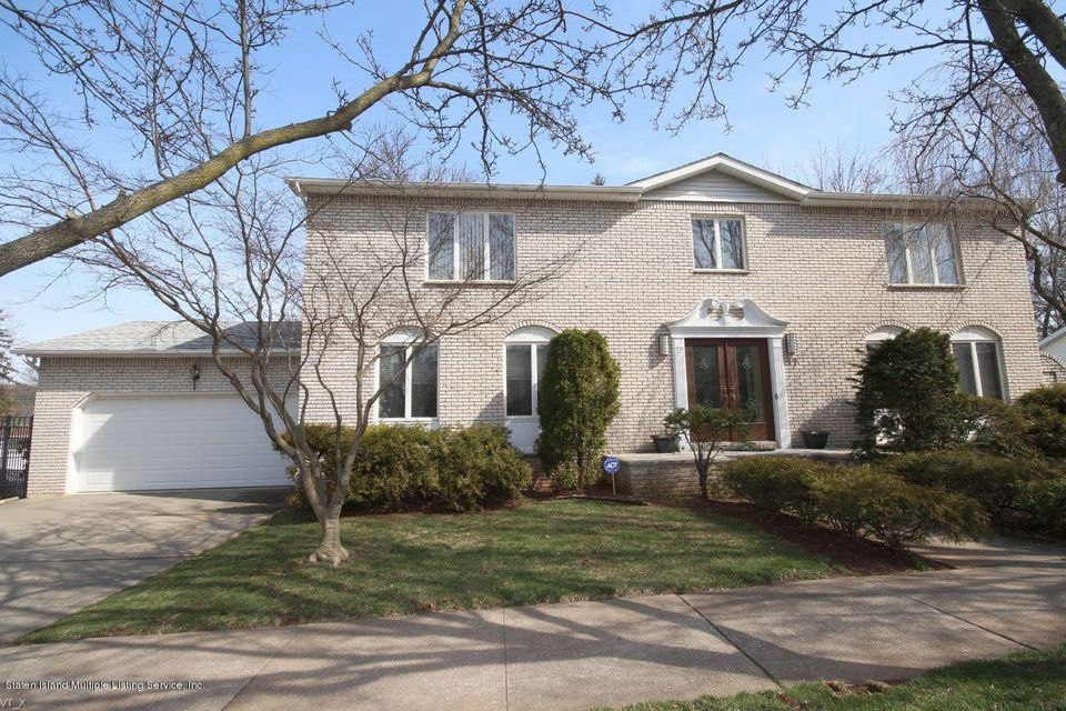 Two Family - Detached in Princes Bay - 17 Everett Avenue  Staten Island, NY 10309
