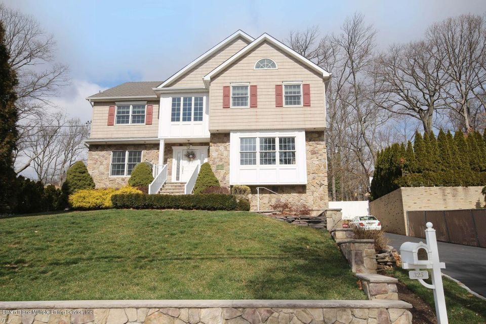 Single Family - Detached in Lighthouse Hill - 325 Lighthouse Avenue  Staten Island, NY 10306