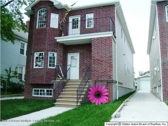 Single Family Home for Rent at 82 Jewett Avenue Staten Island, New York 10302 United States