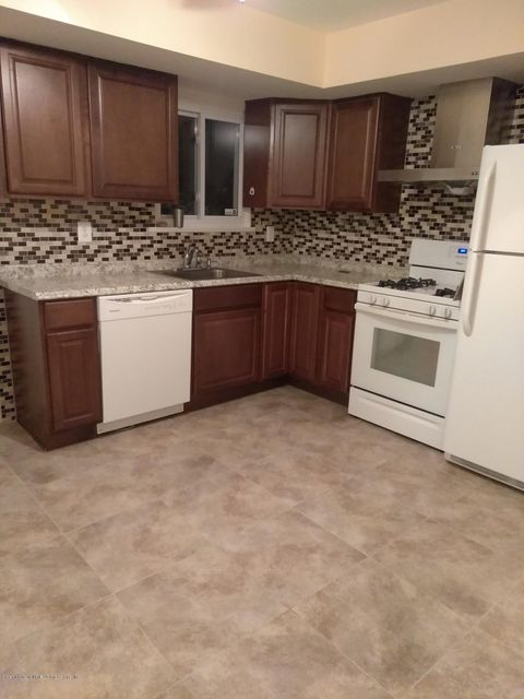 Single Family Home for Rent at 20 Bowling Green Place Staten Island, New York 10314 United States