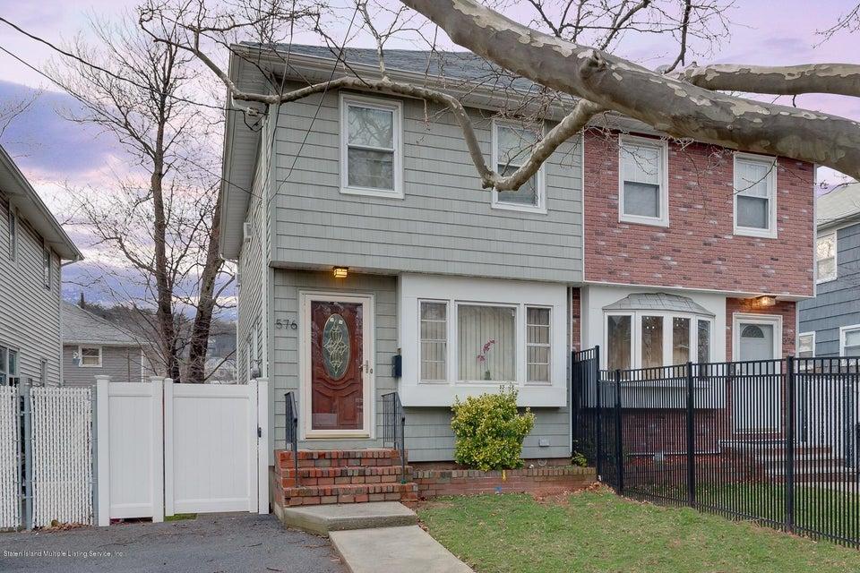 576 Hanover Avenue, Staten Island, NY 10304