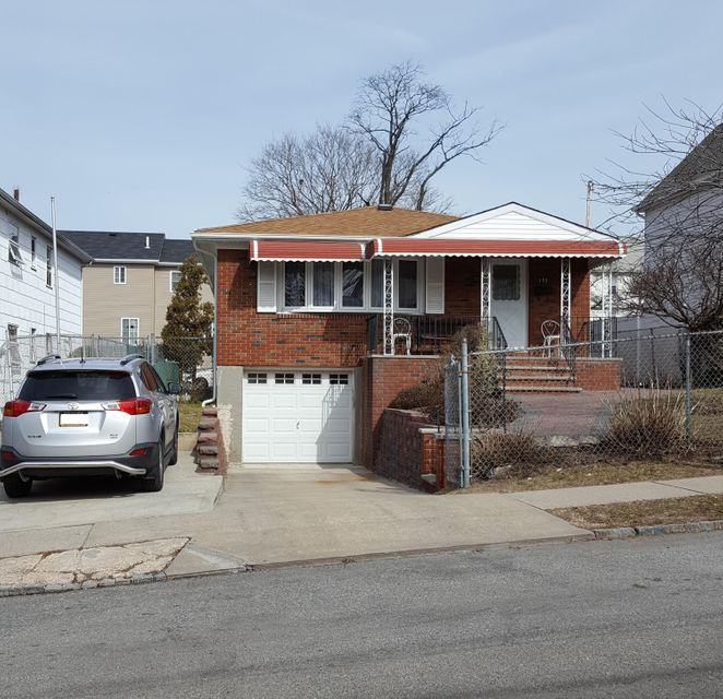 Single Family Home for Sale at 193 Dixon Avenue Staten Island, New York 10303 United States