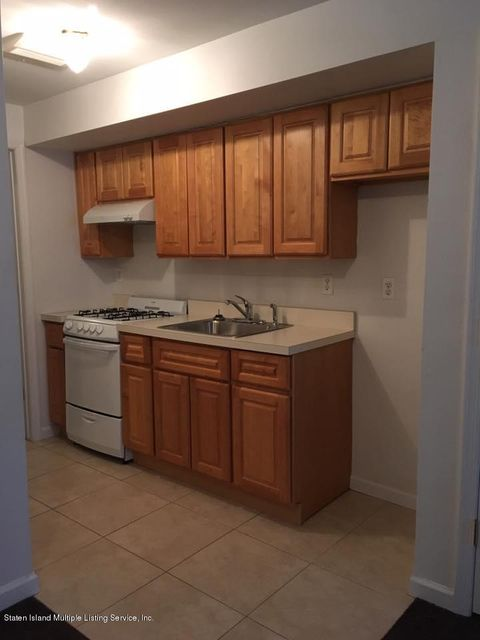 Additional photo for property listing at 95 Crabtree Avenue  Staten Island, New York 10309 United States