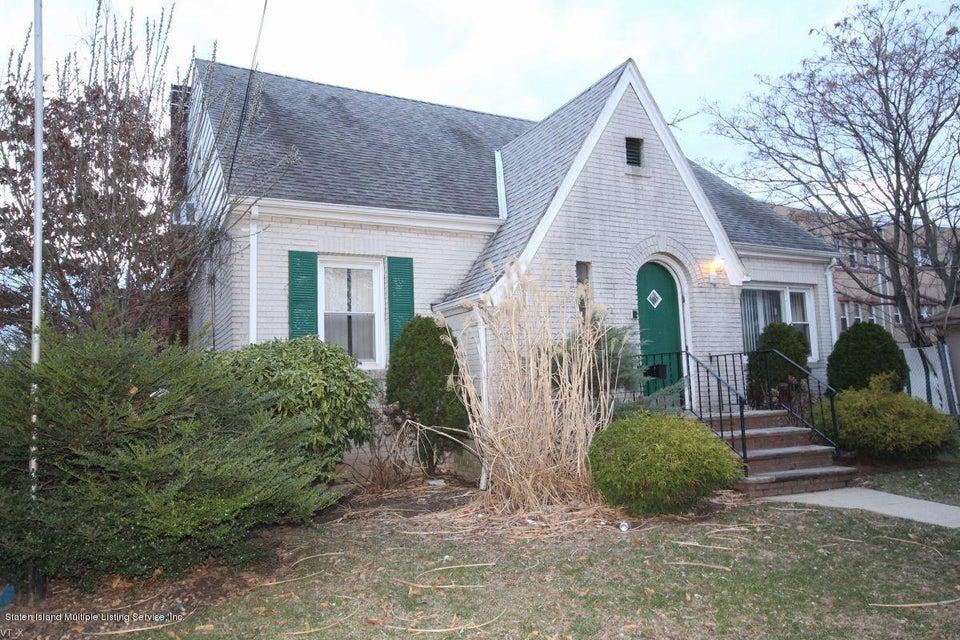 222 Cromwell Avenue, Staten Island, NY 10305