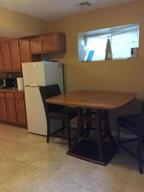 Additional photo for property listing at 6 Carlton Court  Staten Island, New York 10312 United States