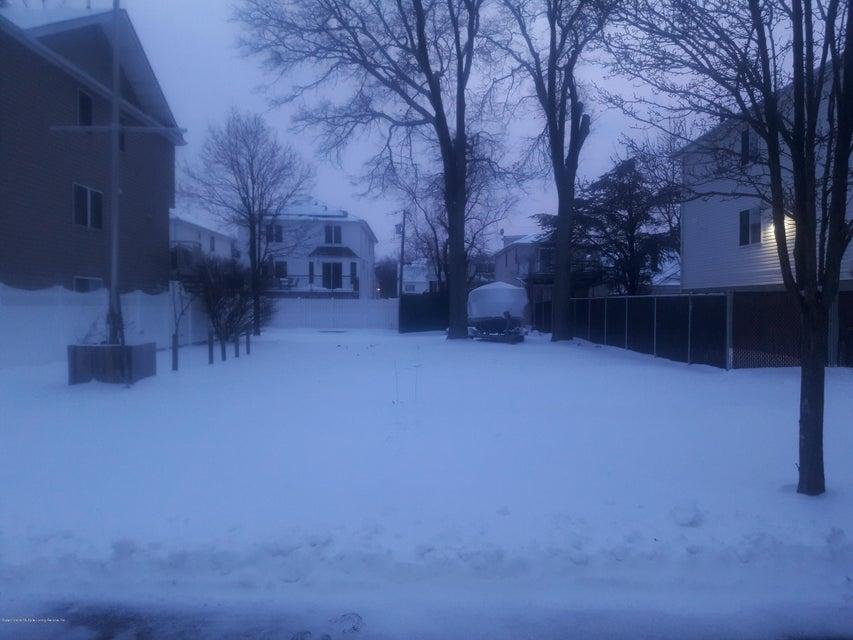 678 Yetman Avenue, Staten Island, NY 10307