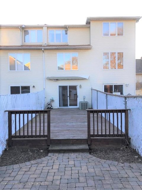 Single Family - Attached 27 Arthur Court  Staten Island, NY 10310, MLS-1109140-15
