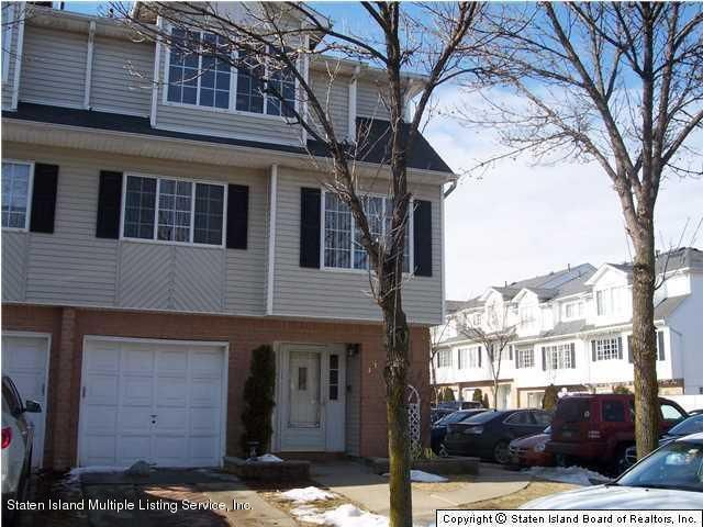 Two Family - Attached 33 White Oak Lane  Staten Island, NY 10309, MLS-1109165-2