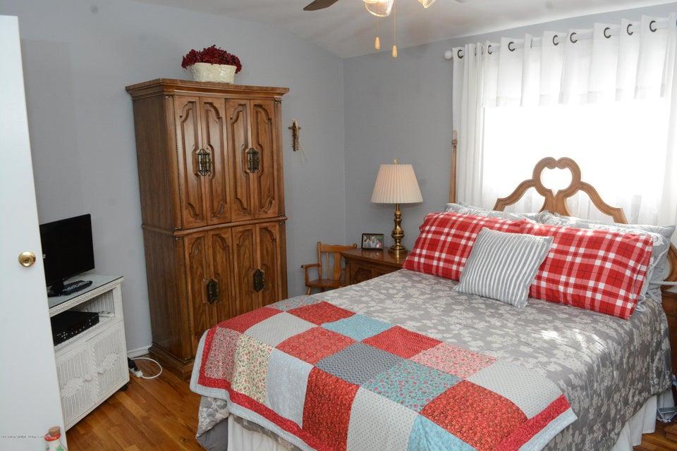 Single Family - Semi-Attached 138 Ridgewood Avenue  Staten Island, NY 10312, MLS-1109172-17