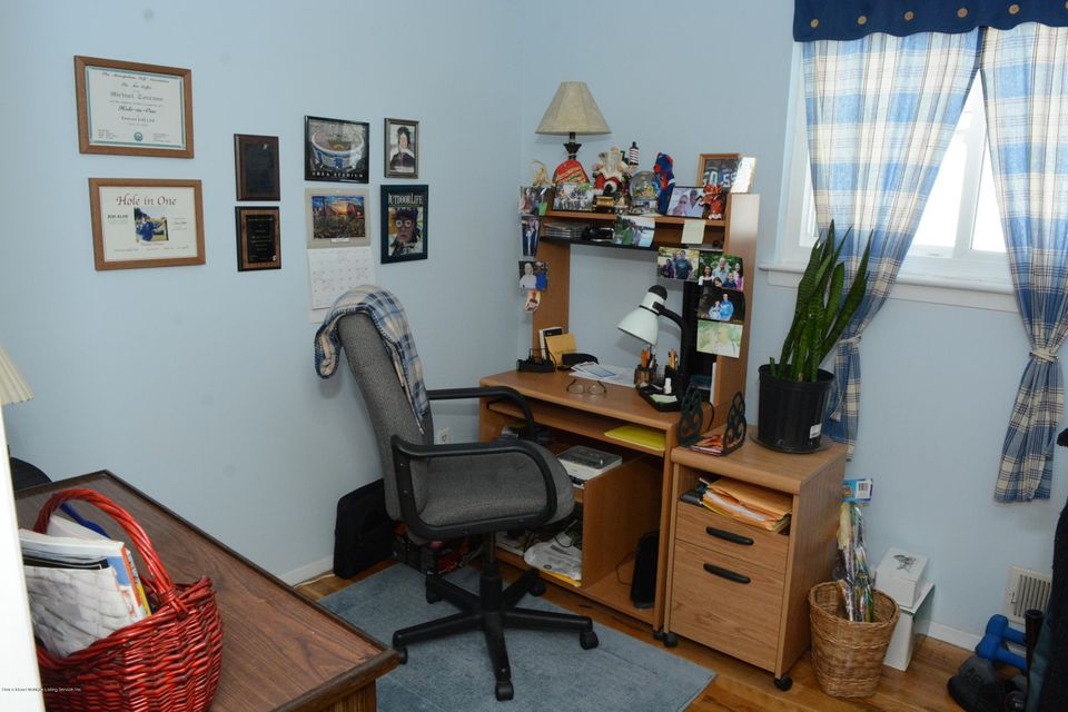 Single Family - Semi-Attached 138 Ridgewood Avenue  Staten Island, NY 10312, MLS-1109172-25