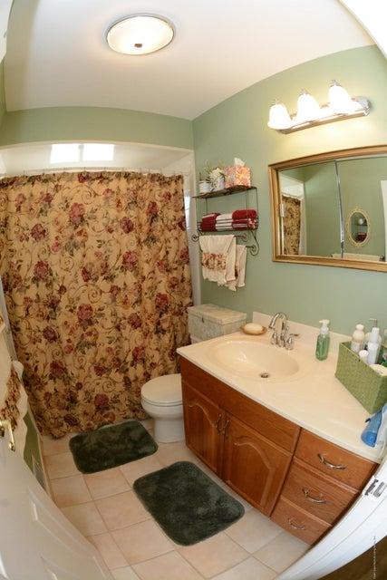 Single Family - Semi-Attached 138 Ridgewood Avenue  Staten Island, NY 10312, MLS-1109172-20