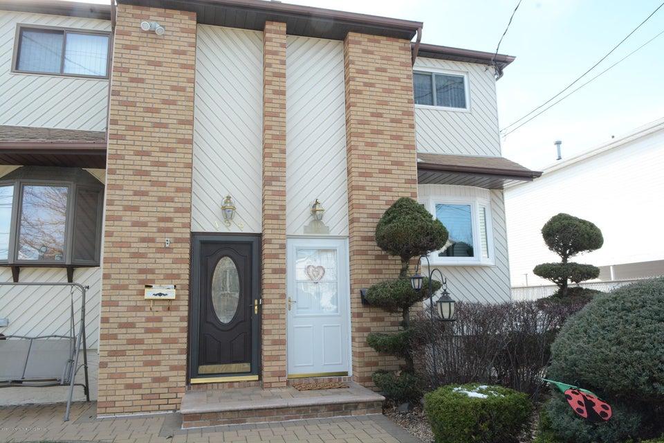 Single Family - Semi-Attached 138 Ridgewood Avenue  Staten Island, NY 10312, MLS-1109172-2