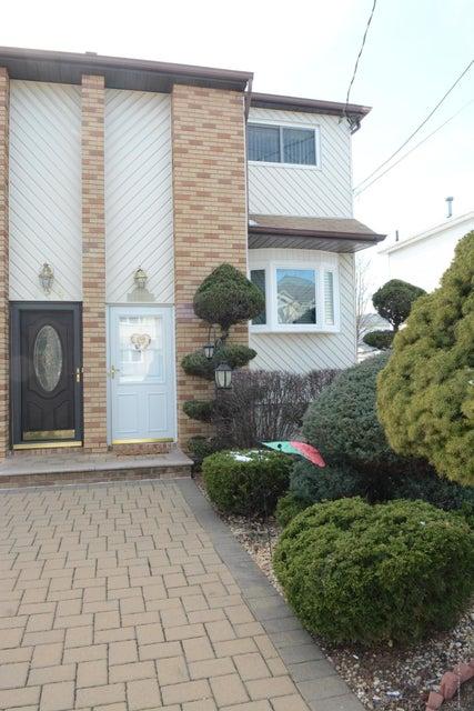Single Family - Semi-Attached 138 Ridgewood Avenue  Staten Island, NY 10312, MLS-1109172-5