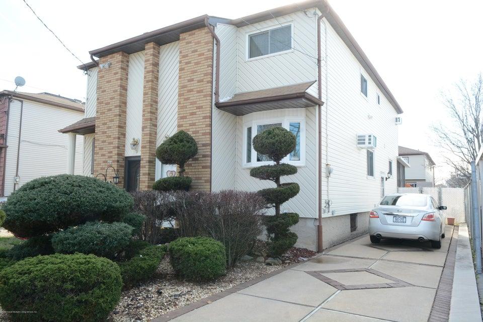 Single Family - Semi-Attached in Eltingville - 138 Ridgewood Avenue  Staten Island, NY 10312