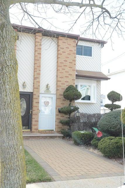 Single Family - Semi-Attached 138 Ridgewood Avenue  Staten Island, NY 10312, MLS-1109172-4