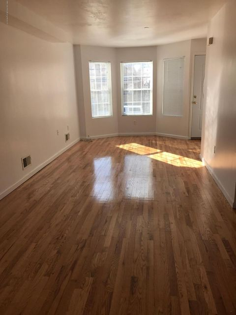 Single Family - Attached 275 Mc Clean Avenue  Staten Island, NY 10305, MLS-1109274-11