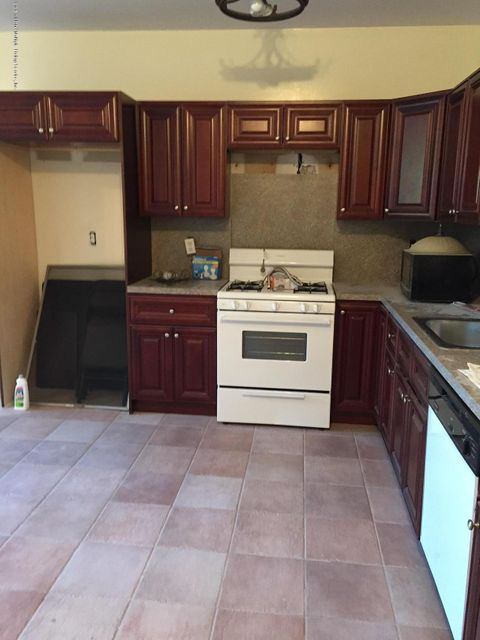 Additional photo for property listing at 75 Idaho Avenue  Staten Island, New York 10309 United States