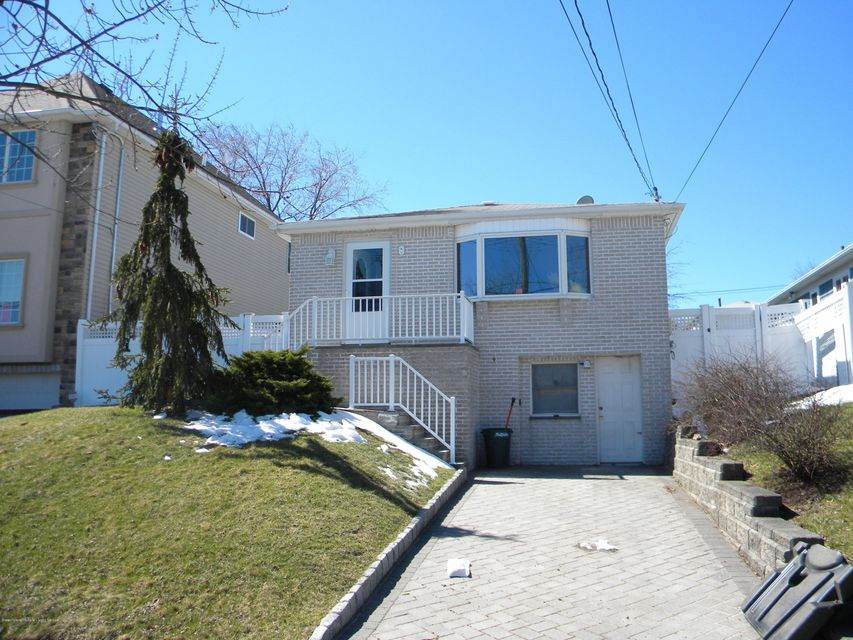 Single Family Home for Sale at 138 Retford Avenue Staten Island, New York 10312 United States