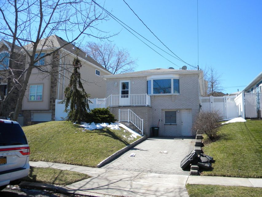 Additional photo for property listing at 138 Retford Avenue  Staten Island, New York 10312 United States