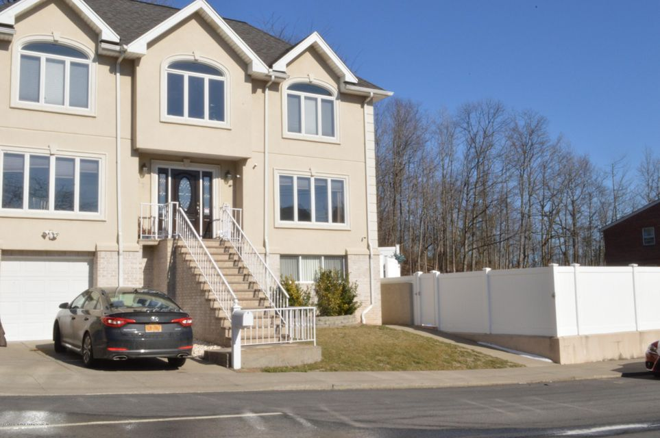 Single Family - Detached 87 Glendale Avenue  Staten Island, NY 10304, MLS-1109318-2