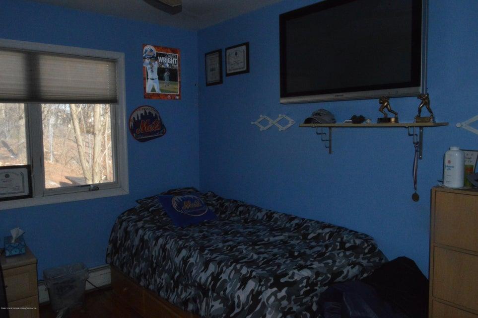 Single Family - Detached 87 Glendale Avenue  Staten Island, NY 10304, MLS-1109318-18