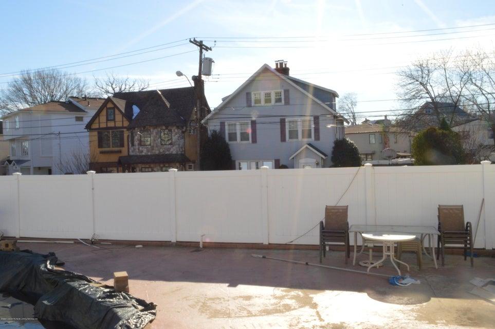Single Family - Detached 87 Glendale Avenue  Staten Island, NY 10304, MLS-1109318-26