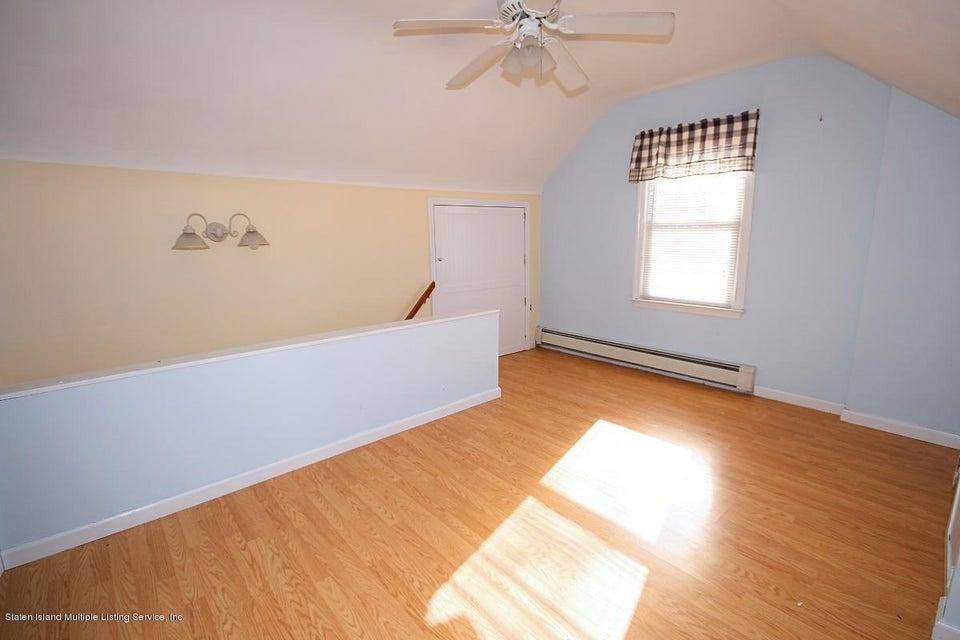 Single Family - Detached 165 Bancroft Avenue  Staten Island, NY 10306, MLS-1109331-17