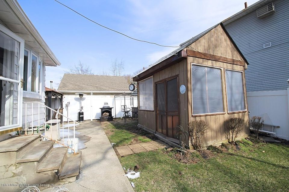 Single Family - Detached 165 Bancroft Avenue  Staten Island, NY 10306, MLS-1109331-22