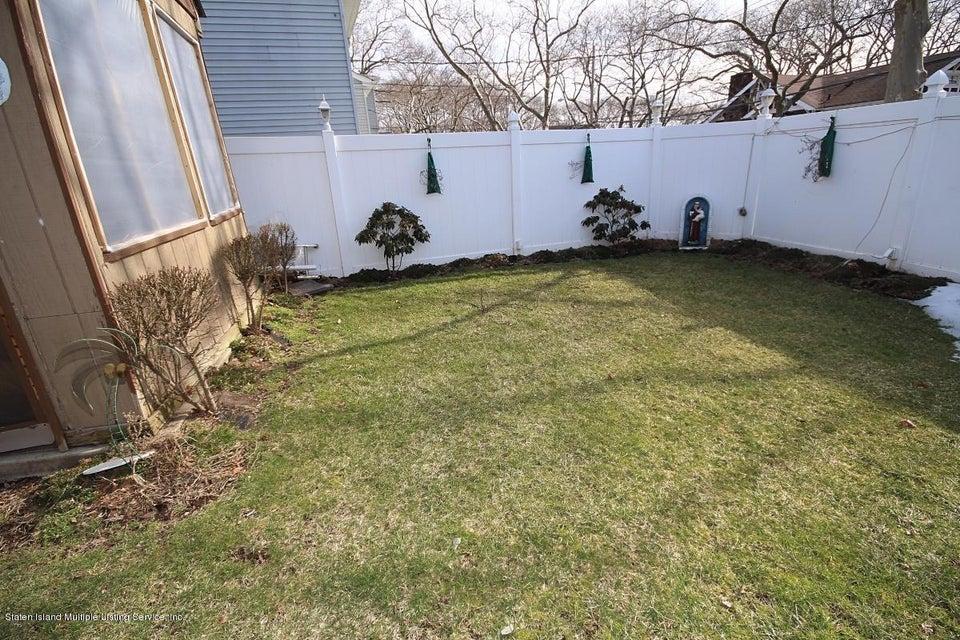 Single Family - Detached 165 Bancroft Avenue  Staten Island, NY 10306, MLS-1109331-23