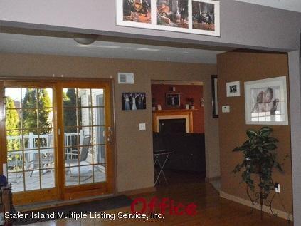 Single Family - Detached 87 Glendale Avenue  Staten Island, NY 10304, MLS-1109318-13