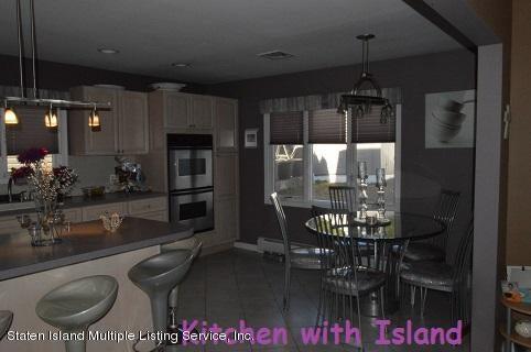 Single Family - Detached 87 Glendale Avenue  Staten Island, NY 10304, MLS-1109318-5