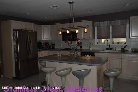 Single Family - Detached 87 Glendale Avenue  Staten Island, NY 10304, MLS-1109318-6