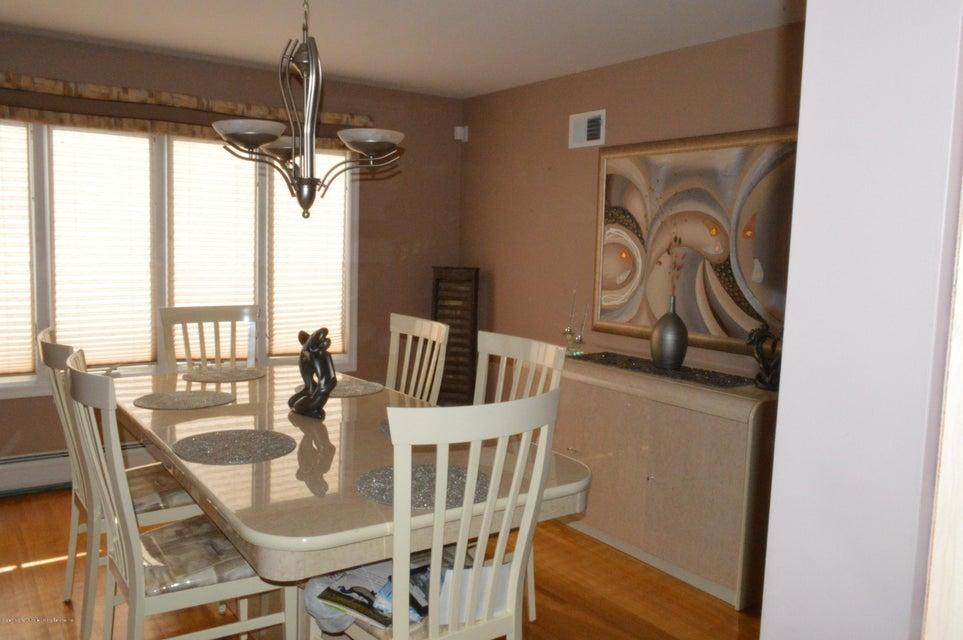 Single Family - Detached 87 Glendale Avenue  Staten Island, NY 10304, MLS-1109318-8
