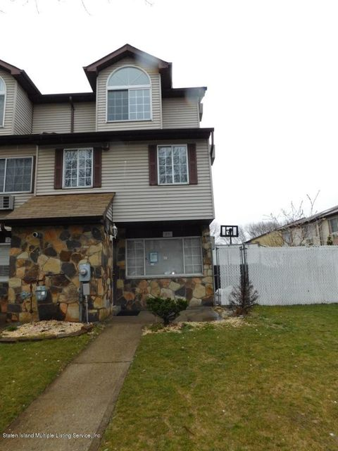 Additional photo for property listing at 20 Croft Court  Staten Island, New York 10306 United States