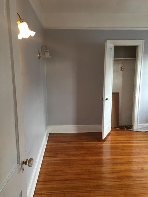 Additional photo for property listing at 164 Livermore Avenue  Staten Island, New York 10302 United States