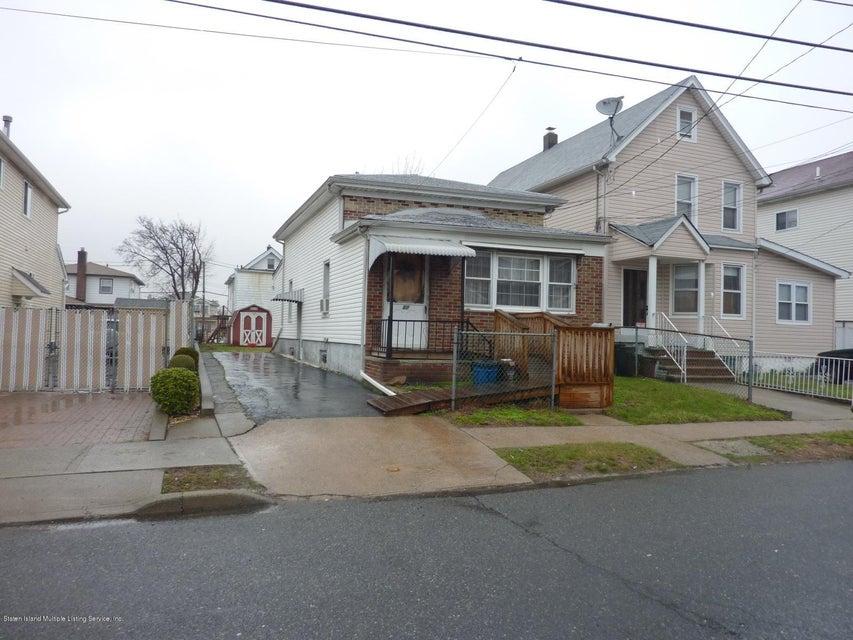 67 Sumner Avenue, Staten Island, NY 10314
