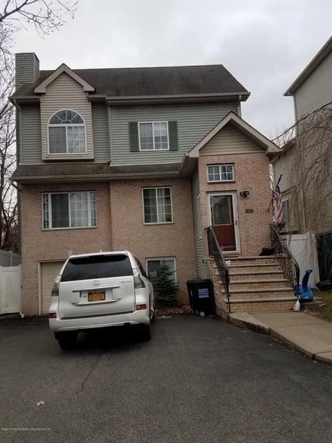 34 Barry Court, Staten Island, NY 10306