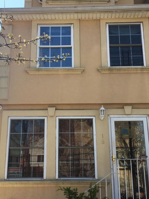 Single Family Home for Sale at 16 Rumpler Court Staten Island, New York 10302 United States