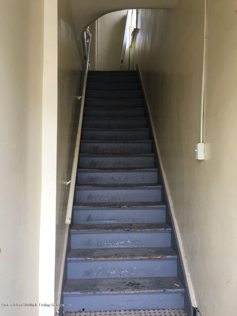 Additional photo for property listing at 104 Mc Clean Avenue  Staten Island, New York 10305 United States