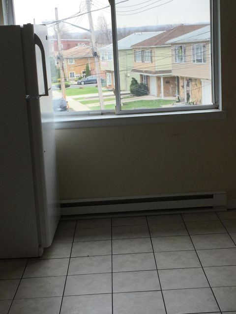 Additional photo for property listing at 1279 Richmond Avenue  Staten Island, New York 10314 United States