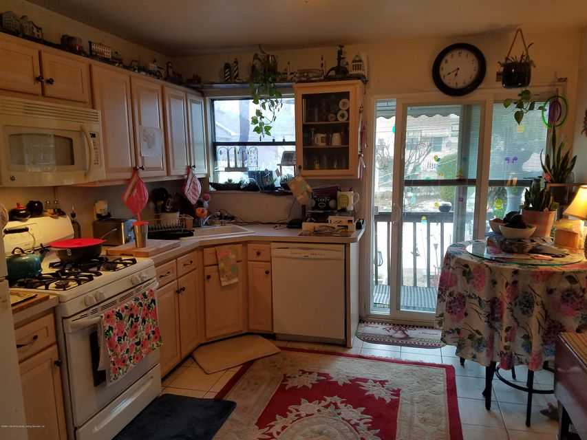 Additional photo for property listing at 21 Wellbrook Avenue  Staten Island, New York 10314 United States